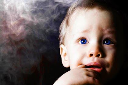 Jangan Anggap Remeh! Inilah Bahaya Asap Rokok Pada Bayi