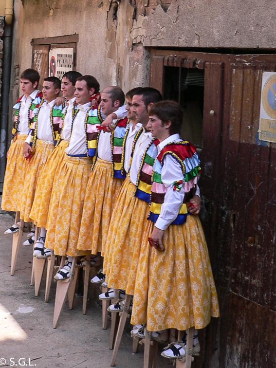 Anguiano y la danza de los zancos. La Rioja