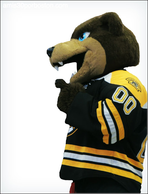 Blades Mascota de los Boston Bruins