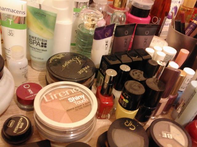 Kosmetyczne zapasy - batalia z kosmetykami