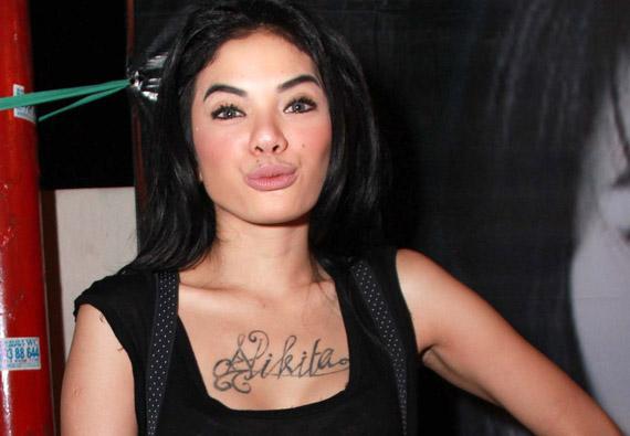 3 Film Horor Seksi Yang Pertemukan Nikita Mirzani: Foto-foto Syur Nikita Mirzani Kembali Beredar:Gosip Artis
