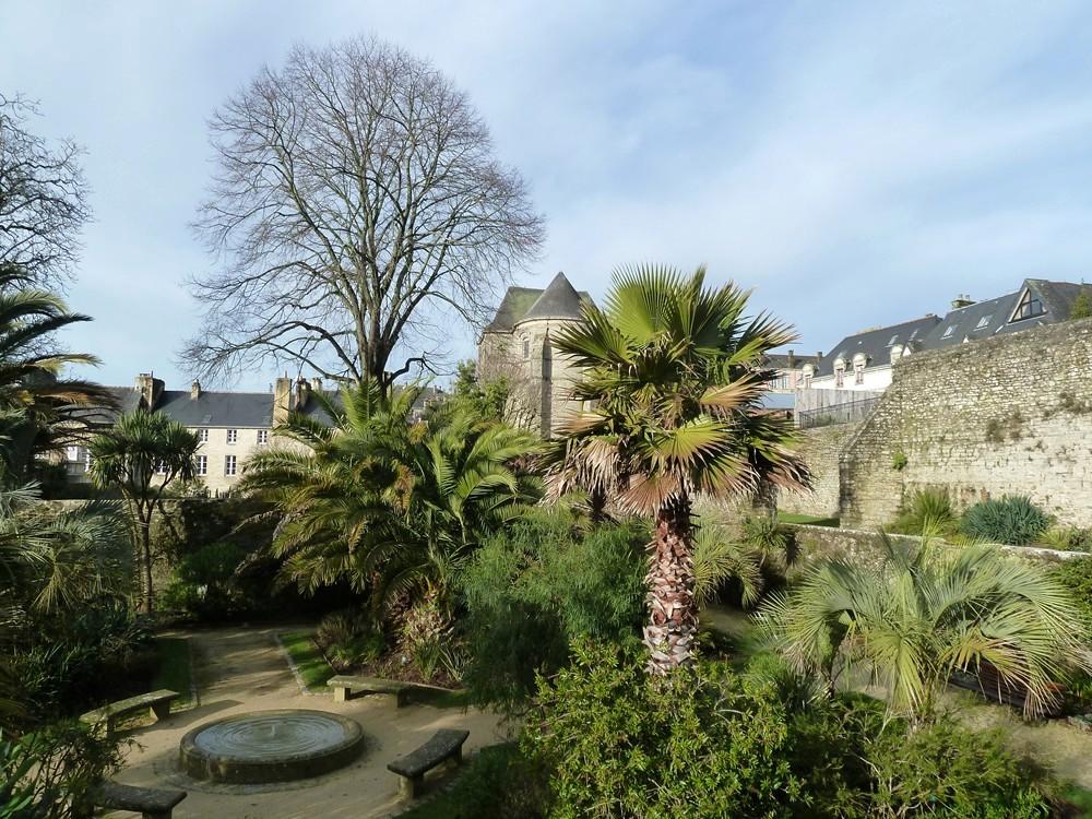 Bretagne finist re 29 quimper jardin de la retraite for Jardin quimper
