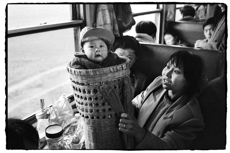 26 Amazing Candid Photographs That Capture Chinese People