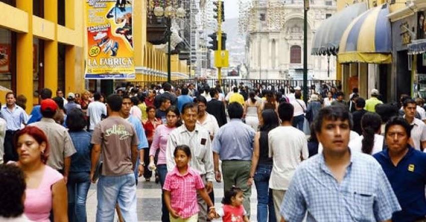 Empresas que despidan a trabajadores peruanos para contratar extranjeros con un sueldo menor serán sancionadas
