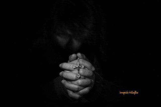 mujer religiosa-Irrupción Filosófica-vector-salmeron