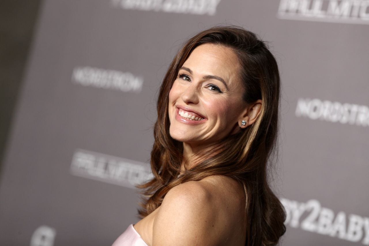 Jennifer Garner – 2019 Baby2Baby Gala presented by Paul Mitchell at 3LABS in Culver City