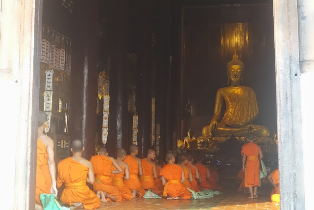 monks, buddhism