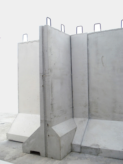 Foto separadores hormigón en esquina