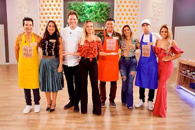 Eliana e Carlos Bertolazzi com os participantes Regis, Kelly, Pedro Manso, Isabel, MC Guimê e Lexa - Foto: Gabriel Cardoso/SBT
