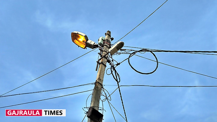 electricity-poles-in-india