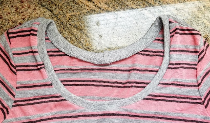 How to Sew a Neckband on a Knit Garment
