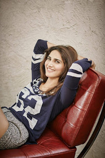 Vaani kapoor hot, ranveer singh befikre, age, bikini, biography, family, father name, husband, in bikini, kiss, movies, parents, actress, ad, feet, films, in saree, new movie, photoshoot, upcoming movies, wallpaper