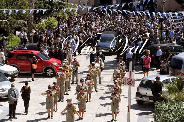 Θρήνος στο τελευταίο αντίο στη σύζυγο του Δημάρχου Κορινθίων Β. Νανόπουλου