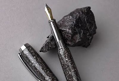 Meteorite Pen, la penna fatta con veri frammenti di meteorite
