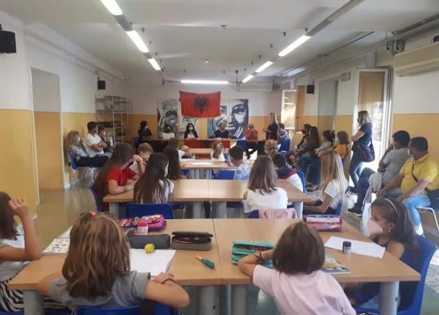 """Inizia l'insegnamento della lingua albanese presso la scuola """"Mësonjëtoria"""" di Breshia"""