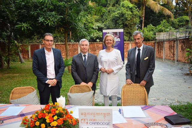 Signature d'une convention de financement entre  l'AFD et Agir pour le Cambodge