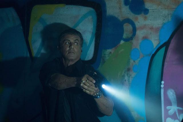 """Stallone, Bautista e 50 Cent se unem no novo trailer de """"Rota de Fuga 3"""""""