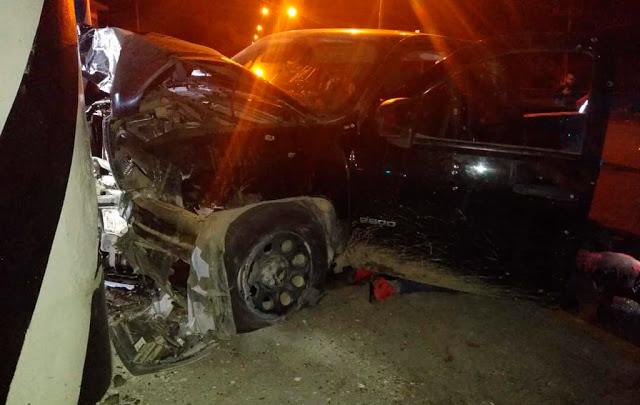 Sicarios no quisieron dar frente para así salvar su vida tras fuerte enfrentamiento contra Estatales, momentos después dos camionetas chocaron y murieron en Guanajuato