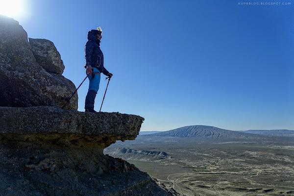 С видом на грязевой вулкан Торагай