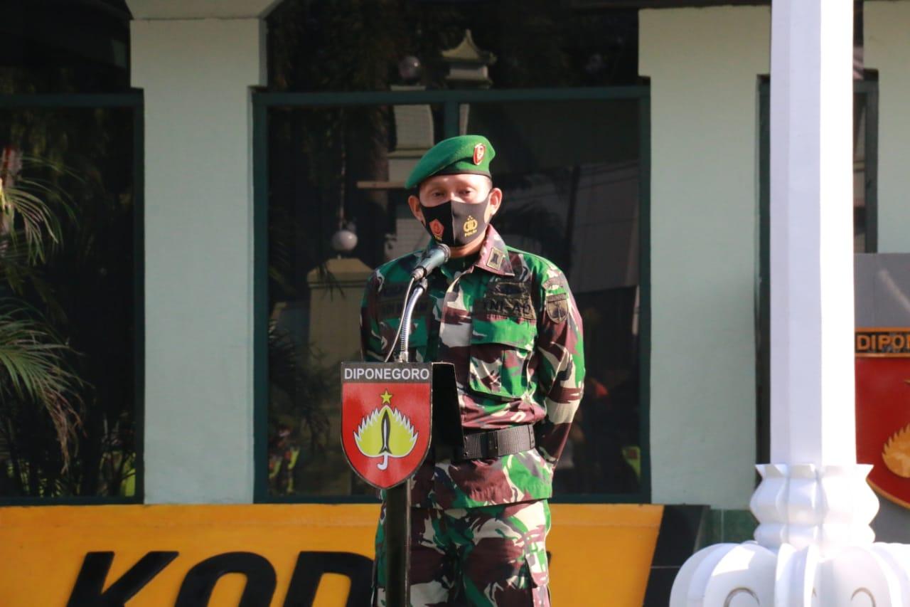 Dandim Pati pimpin acara Corps Raport anggota yang akan MPP dan sambut satu prajurit kembali dari penugasan