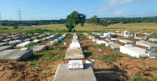 Revelan animales han desplazado cadáveres del cementerio improvisado de Los Alcarrizos