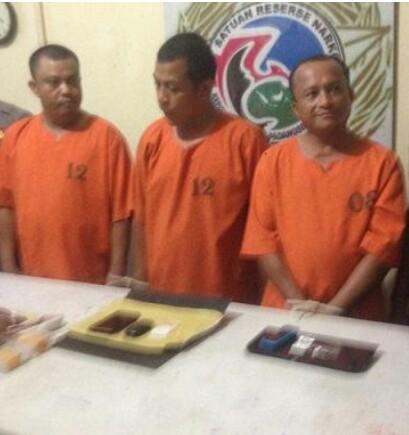Tiga tersangka narkoba di Sidimpuan. Dari Ketiga tersangka dua diantaranya angota PPK.