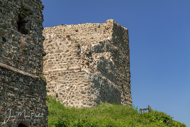Château du Hugstein — Courtine nord-est, chapelle