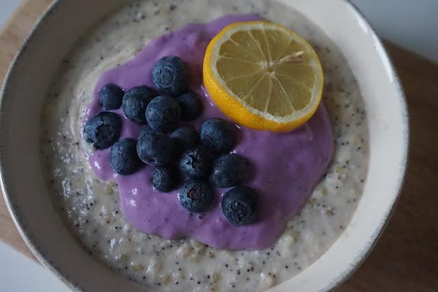 une_jouree_dans_mon_assiette_lemon_cake_porridge_healthy_réequilibrage_alimentaire