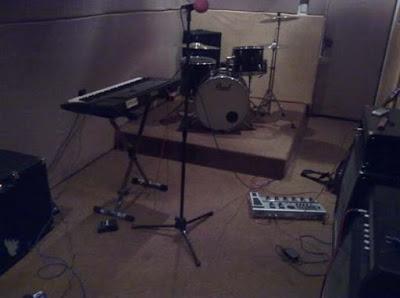kelengkapan alat musik