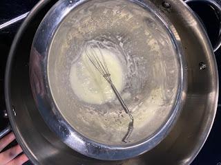 Fabrication de la crème velours pour les mains de la box formule beauté de décembre 2019