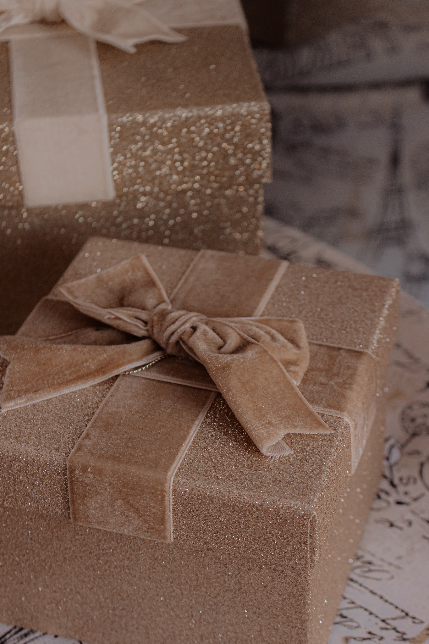 Gold Gift Box Christmas Decorations