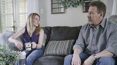Sara McGrath e o detetive Ron Goodwyn - Divulgação