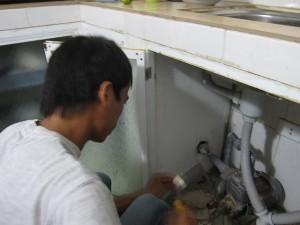 Sửa máy bơm nước bị chảy nước tại Hà Nội