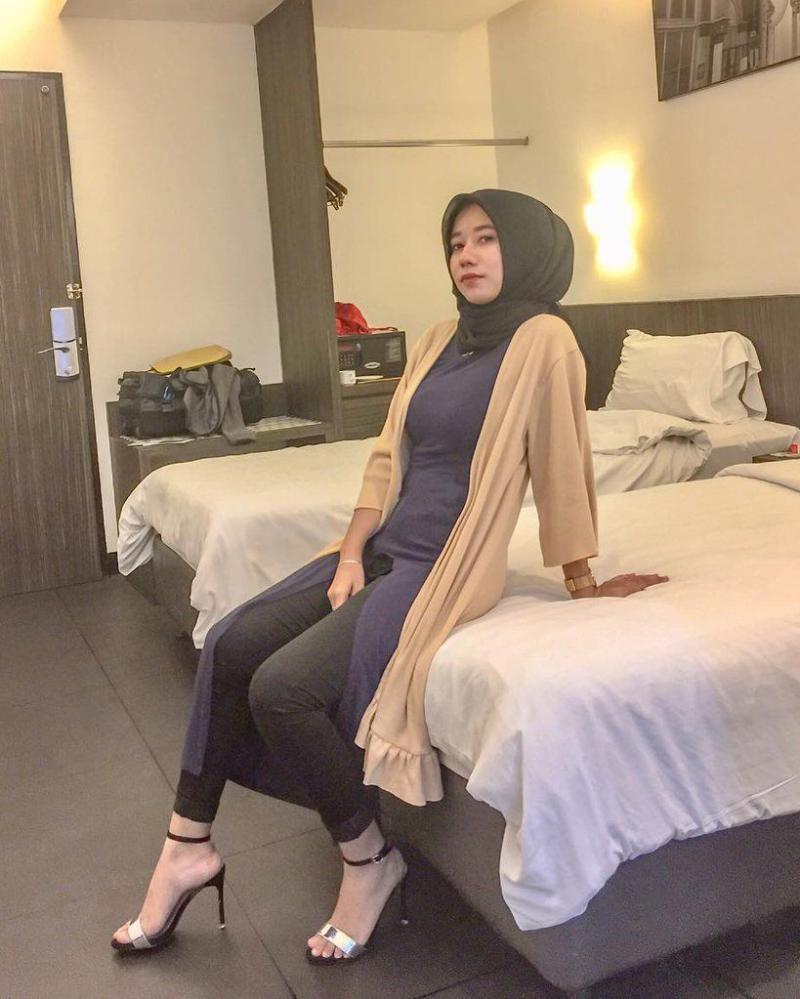 kamar hotel manis dan seksi imut cewek cantik dan manis cewekdi atas ranjang