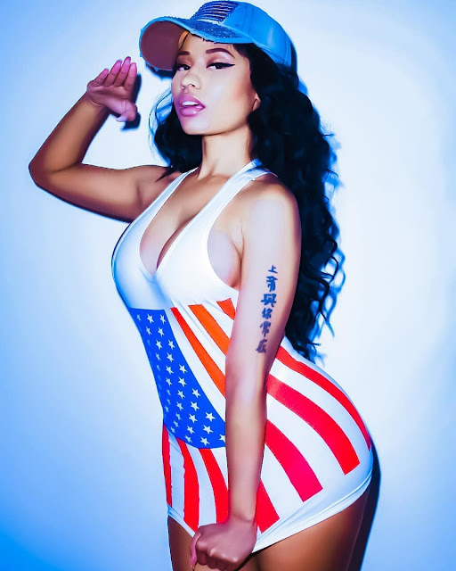 hot photoshoot of Niki Minaj