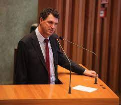 O Deputado Iolando apresenta PL para garantir a emissão da Carteira de Identidade com identificação da pessoa com deficiência