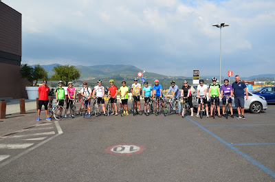 carbon road bike rental in Florence cycling Tuscany with veloce bicycle rentals