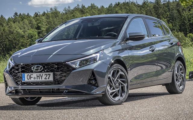 Hyundai i20 2021 ganha sistema de som Bose e painel digital