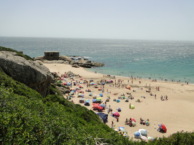 Zona del bunque en la playa de Zahara desde el acantilado
