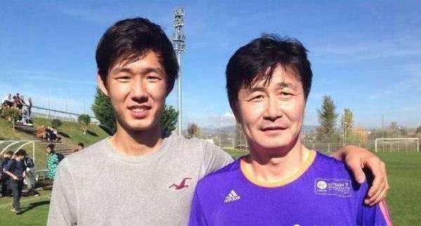 Con trai người tuyên bố chống ĐCS Trung Quốc bị đội bóng Serbia sa thải
