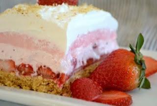 Recipe Strawberry Cheesecake Dream Bars #bars