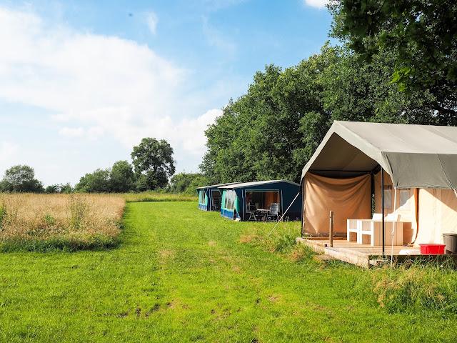 tenten kampeerveld