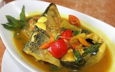 makanan khas Lamongan bandeng colo