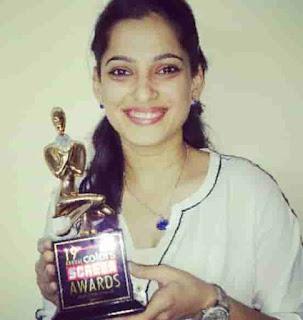 Priya Bapat Received Colors Screen Award