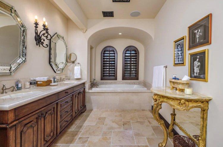 El actor Sylvester Stallone rebaja el precio de venta de su increíble mansión en California