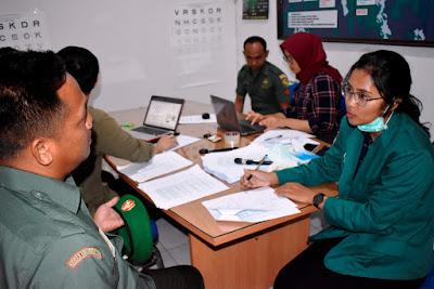 Mahasiswi Fakutas Kedokteran Umum UNILA Lakukan Penelitian di Korem 043/Gatam