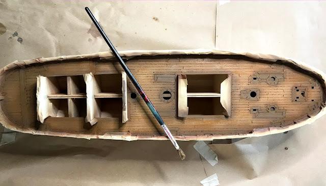 wash ak interactive passata con pennello su ponte in legno