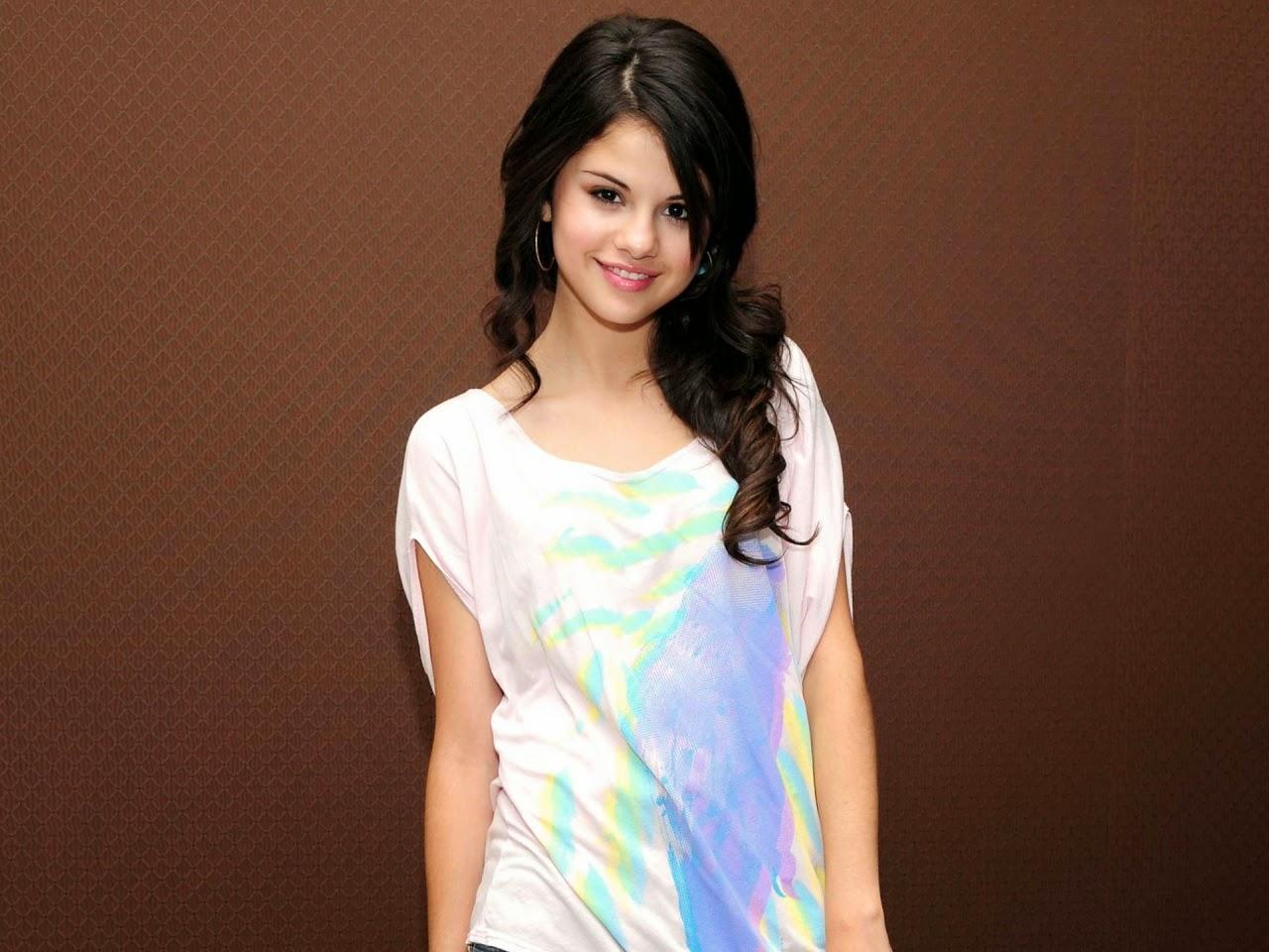 Selena Gomez New Hd Wallpaper 2014 Beautiful World