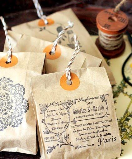 sac en papier personnalise cadeau cordelette