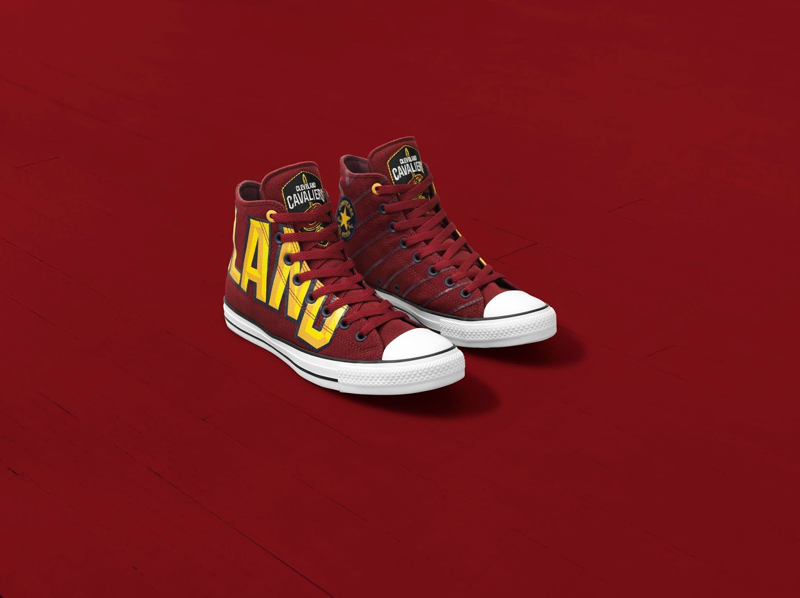 7685e82ca85d The Converse x NBA Chicago Bulls sneakers recall the iconic  90s warm-ups  with its two-tone nylon tongue and red triangles representing the game plan  that ...